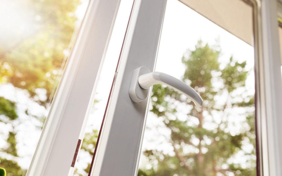 Legno, legno-alluminio o PVC: guida alla scelta del tuo serramento ideale