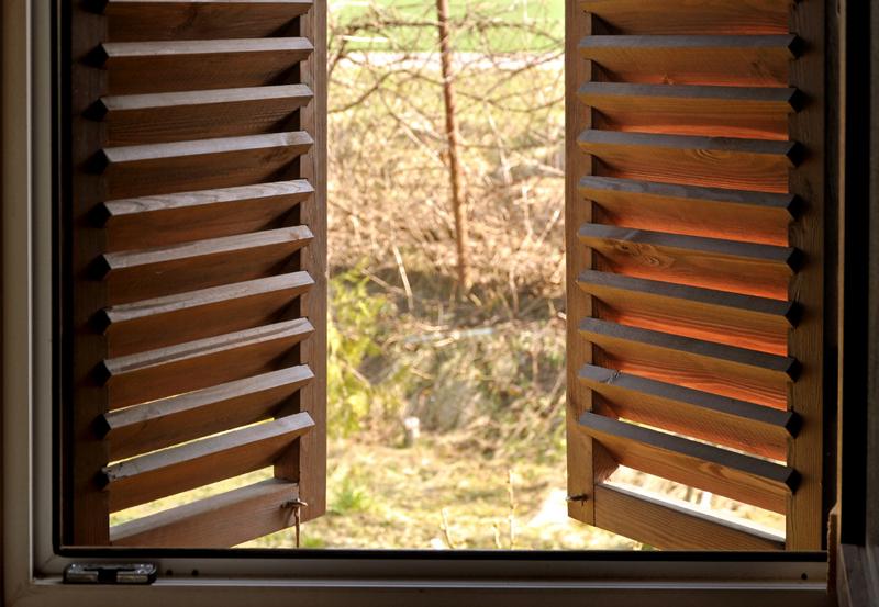 Persiane e antoni: legno o alluminio?