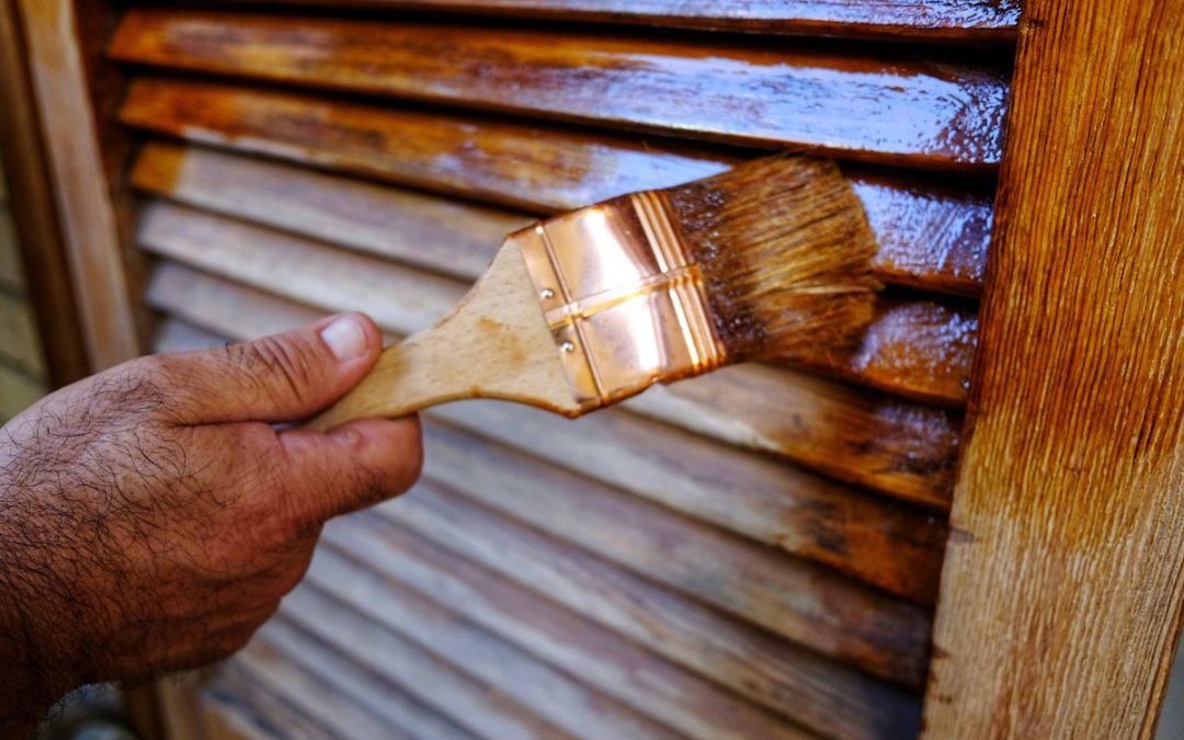 Perché è importante curare la manutenzione dei serramenti in legno
