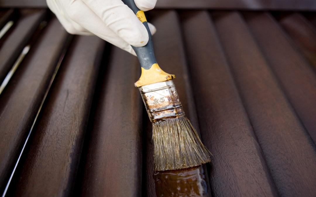 Come restaurare persiane e antoni in legno?